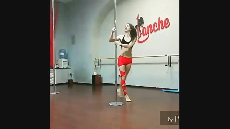 Студия танца на пилоне lanche Сонита Гадирова