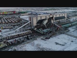 Первые кадры аварии со скоростным поездом в Турции