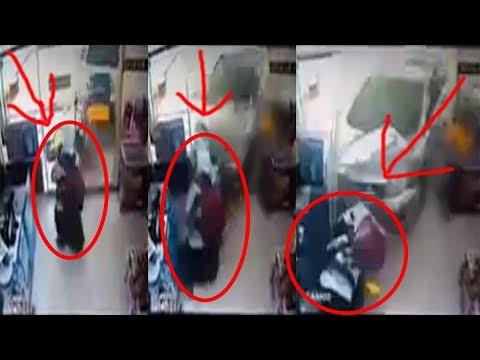 Mobil Terobos Masuk Indomaret di HM Suwignyo Pontianak, Seorang Wanita dan Bayi Terpental 12042018