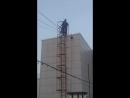 Спичка. Моноспектакль по пьесе Астраханцева Почему люди не... . Проходил на крыше Арт-отеля.