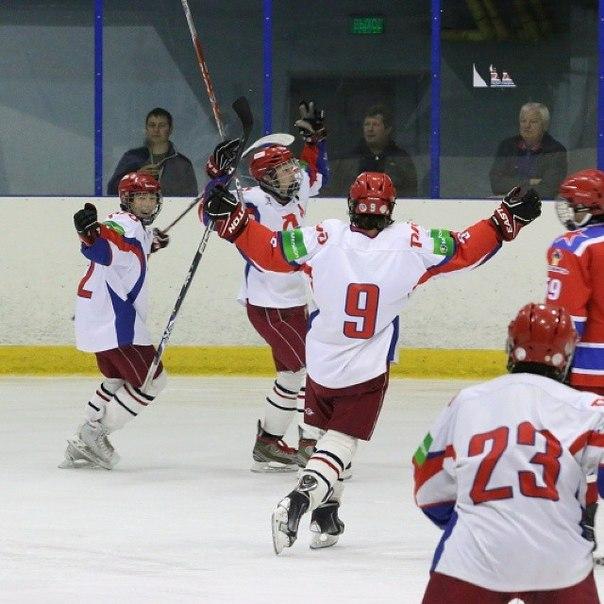 того, юношеский хоккей с мячом в контакте актёров