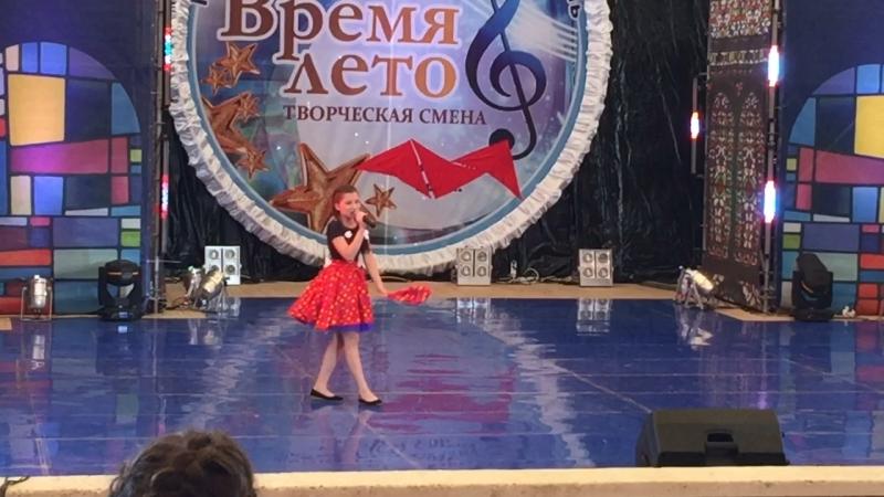 Суслова Юлия сегодня праздник у девчат