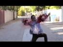 танцующий зомби