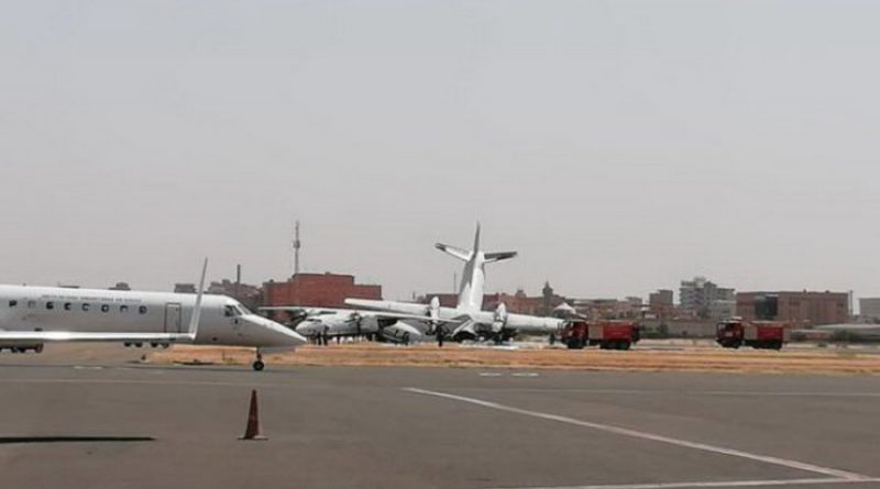 Два украинских самолета разбились при взлете в аэропорту: первые кадры с места ЧП