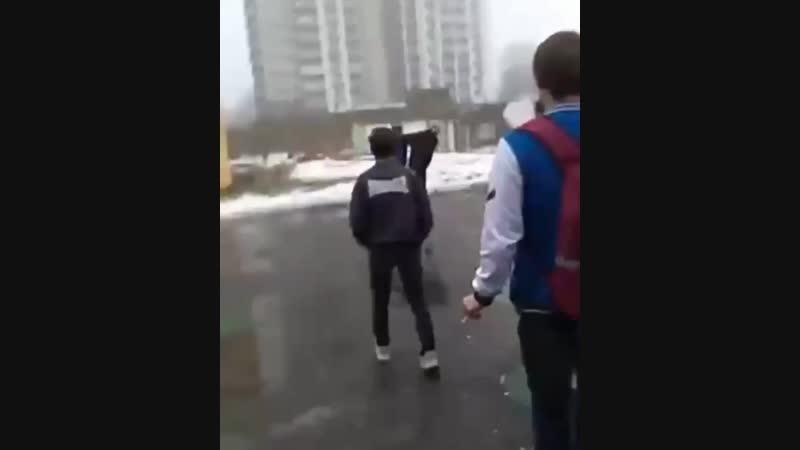 В Минском колледже МГПТК ДПИ два студента подрались после пар.