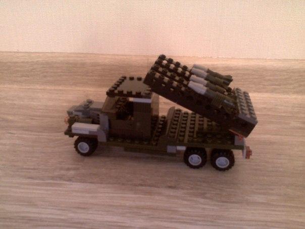 Военная база из картона