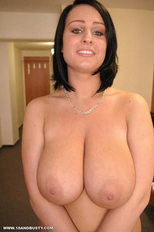 Fabulously pretty mommy india summer gets it