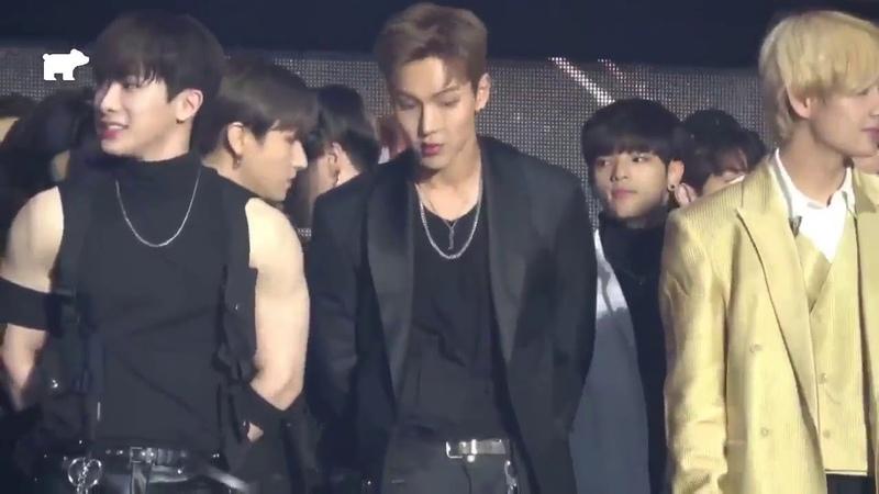 181128 Monsta X Wonho Shownu BTS V Fancam - Asian Artist Awards