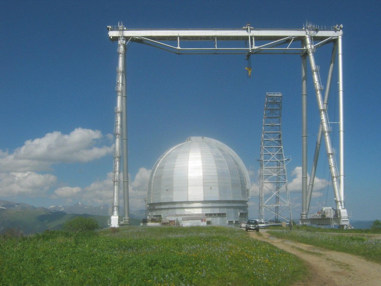 телескоп БТА в Нижнем Архызе