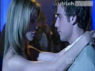 90210 - 1x01 - Naomi's Party Scene 2