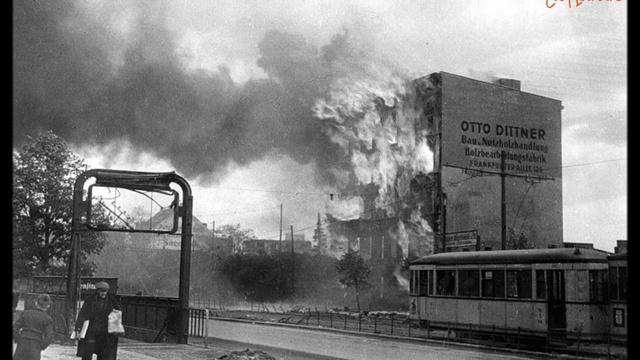 Посмотрите это видео на Rutube А Аверкин М Оводов День победы Берлин 1945 Стихи Голованов
