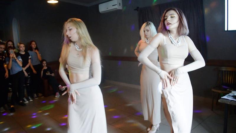 Korean Day 3 - NEON - Girls Day - Something