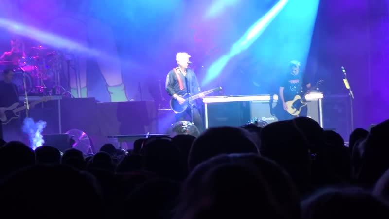 03 The Offspring Pay The Man Live At Amnesia Rockfest 2015