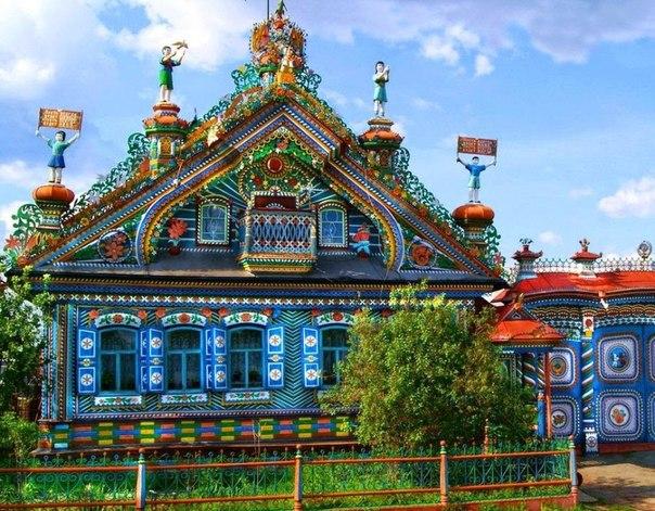 Дом кузнеца Кириллова, село Кунара, Свердловская область 🌻 7 сказочных фото недели: ↪