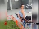 В Парковом очевидцы передали полиции мужчину, которого заподозрили в педофилии.