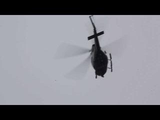 Полицейский вертолет, вид с Бруклинского моста
