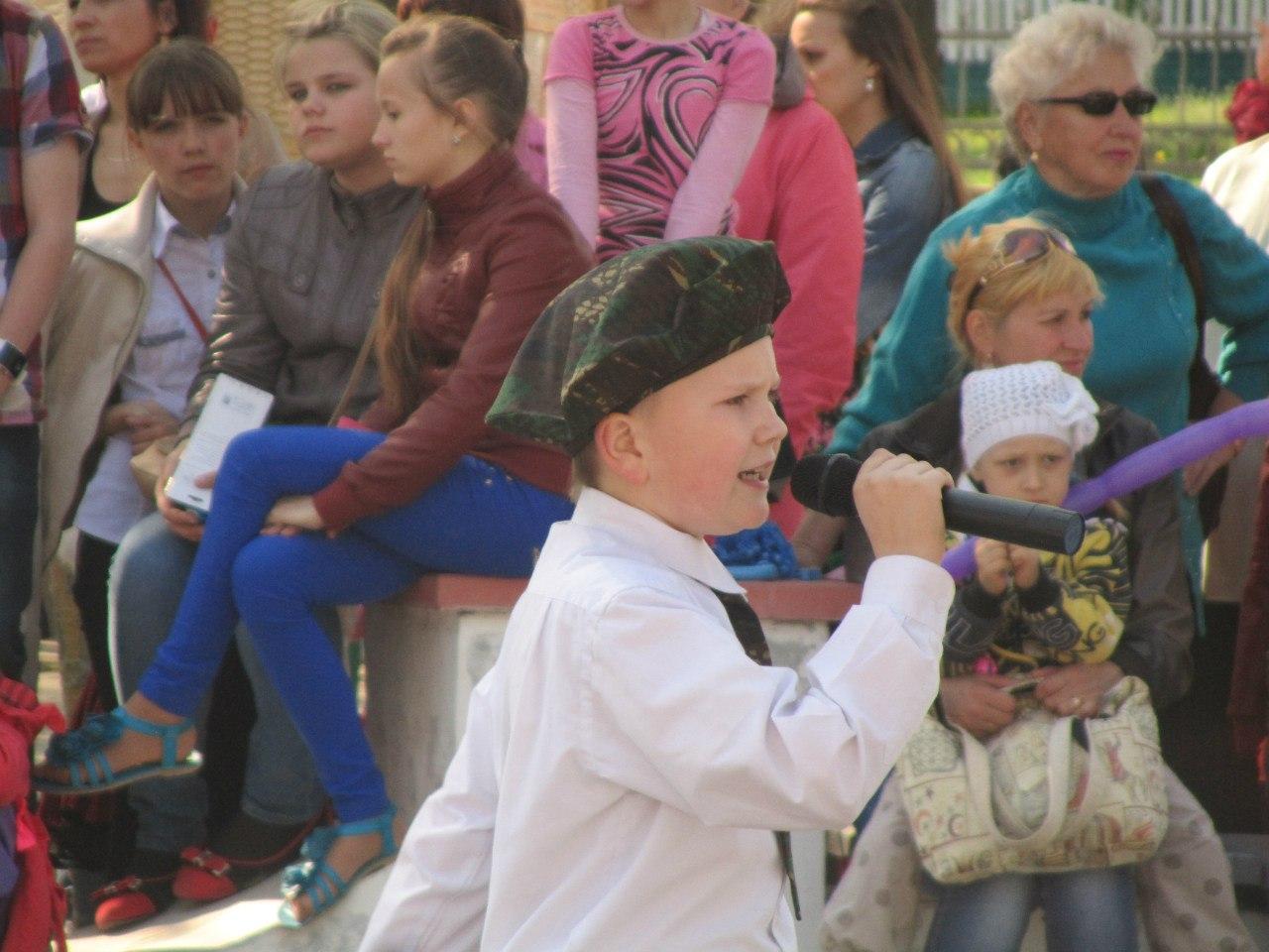 Детский праздник Победы в Горках.