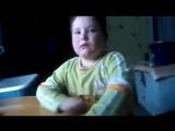 Мальчик учит стих про ласточку! Смотреть до конца