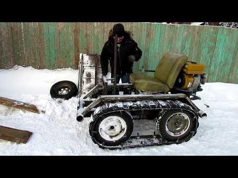 Минитрактор из мотоблока Нева Чистим снег на даче.