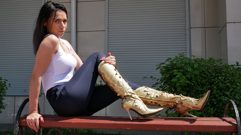 Kristina's pointy high heels LORETTA PETTINARI perforated gold leather boots Size EU 38 US 7,5