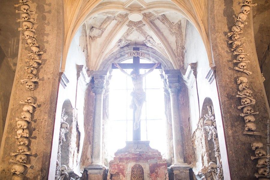 Костница Кутна Гора Чехия церковь из костей