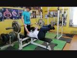 Герман Барабанов, 79 лет, жим лёжа 100 кг на 10 раз!