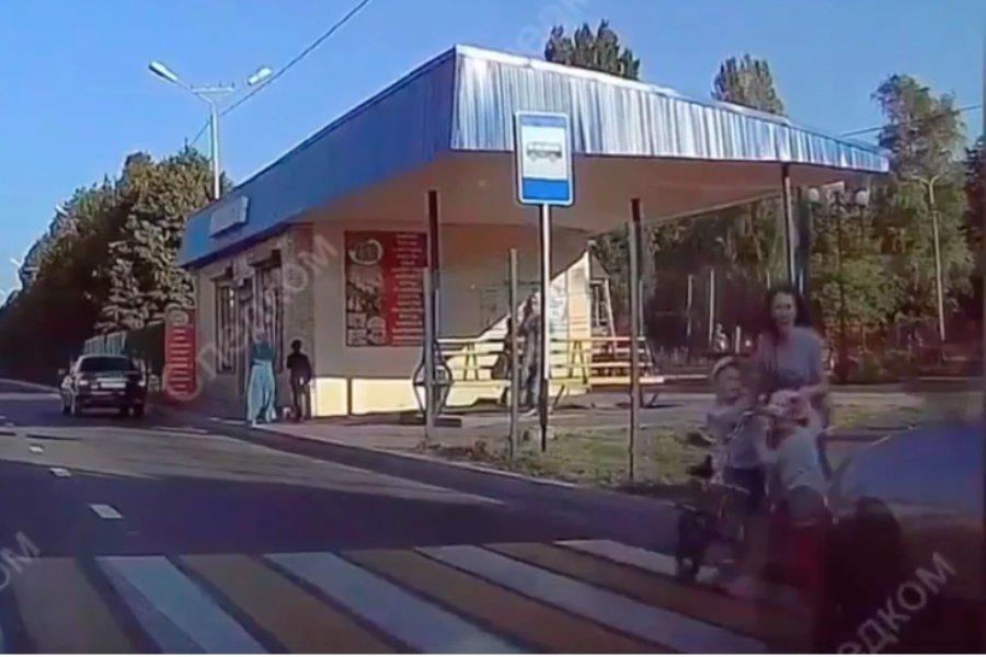 Cотрудник ФСИН сбивший на автомобиле женщину и двух детей в Черкесске пойдет под суд