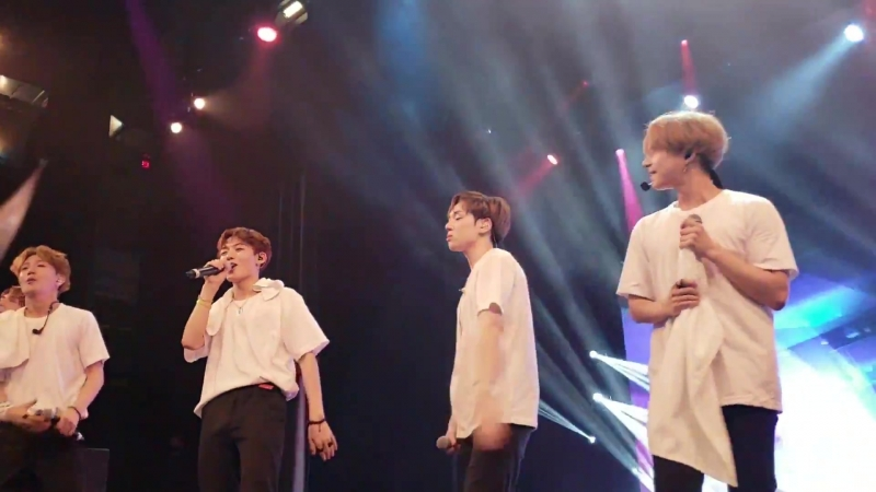 FANCAM 19 05 18 A C E Playing With Fire @ Fan con 2018 'Sweet Fantasy' in Toronto