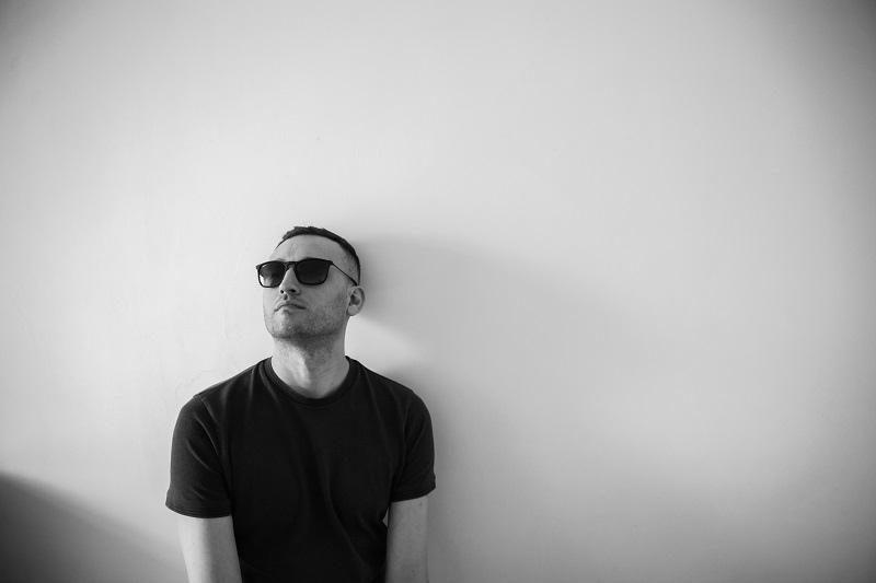 Dark Glass представил первый альбом Elemental