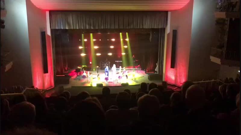 Darики на концерте Народного аритиста России А С Морозова на сцене ДК Газ