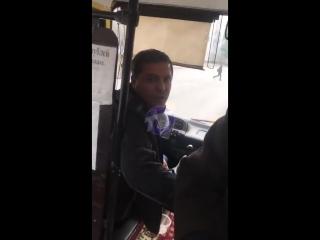 Водитель выгнал беременную из автобуса