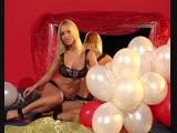 LE tina pop balloons