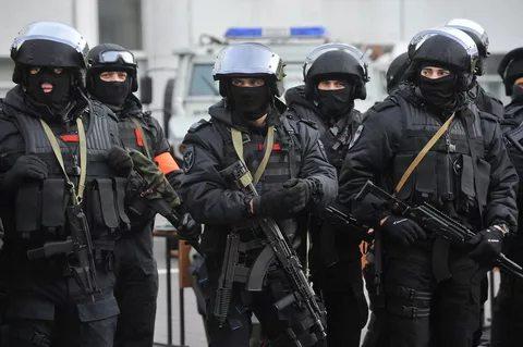 ФСБ сообщила о задержании готовивших теракты в Москве сторонников ИГ Федеральная служба безопасности (ФСБ) раскрыла в Московском регионе ячейку террористической организации «Исламское