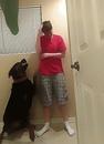 Собака пытается успокоить свою хозяйку с синдромом Аспергера…