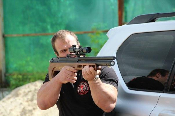Denis Cyplenkov shooting an Air Rifle