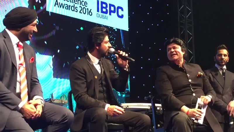 Shah Rukh Khan at Business Excellence Awards 2016 DUBAI ( 720p ).mp4