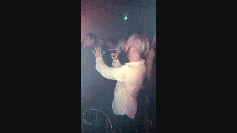Улибайся - АЙОВА Karaoke in LA-California