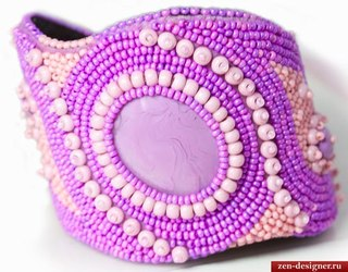 Элитная бижутерия - браслет из бисера ручной работы с кабошоном.
