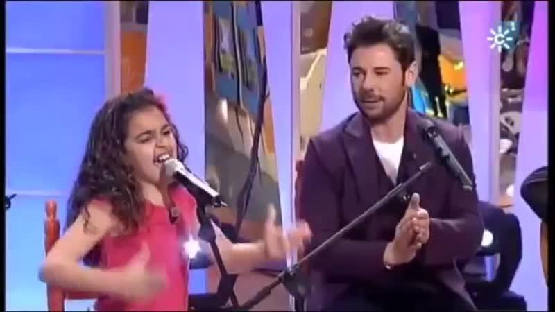 MIguel Poveda y claudia la Chispa interpretando alfileres de colores