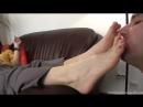 Miss Sonia раб вылизывает ножки Фут-фетиш Foot fetish slave licking feet #femdom