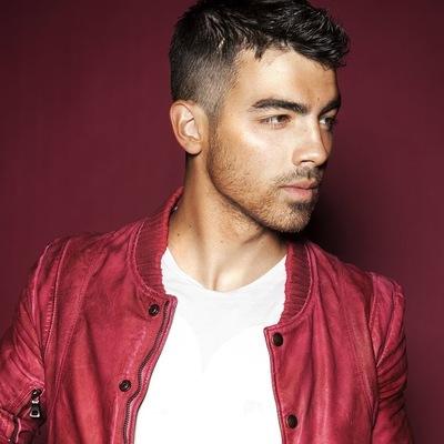 Joe Jonas, id206640452