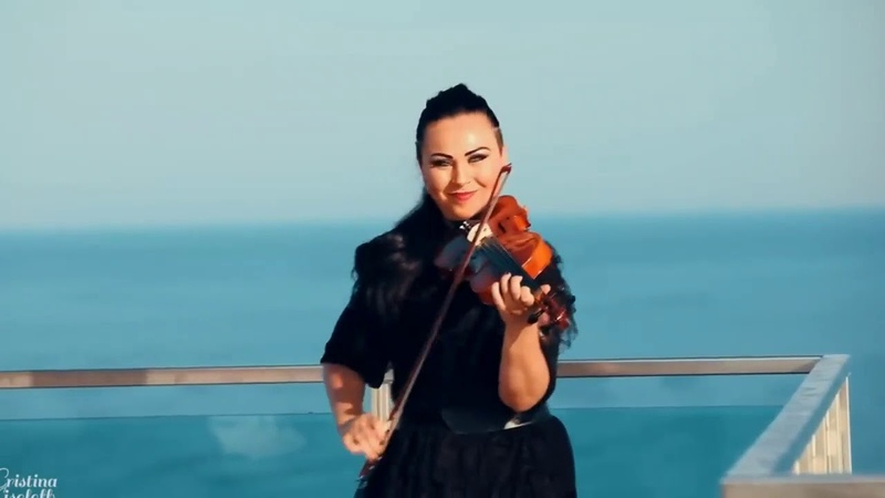 Красавица скрипачка, синее небо, море... и Ламбада!!💃🏻