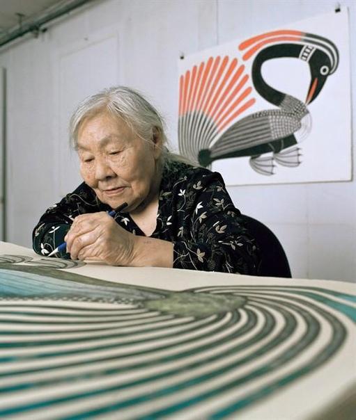 enojua Asheva Кеножуак Ашевак (19272013) канадская эксимосская художница, скульптор и деятель искусств, считается одной из родоначальниц современного канадского эскимосского искусства.Родилась в