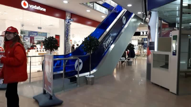 Сеть магазинов Jysk теперь и в Украине. Видео коротенькое снимала в провинциальном городе .