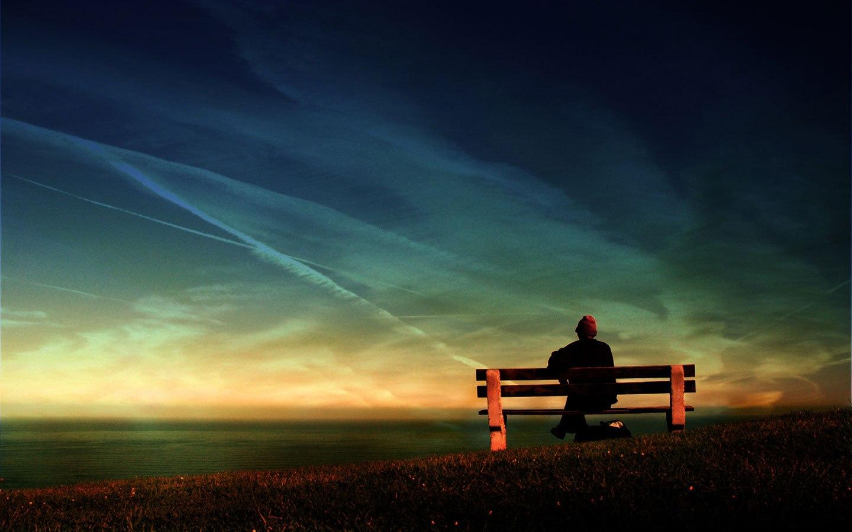 Язык мудро разделяет две стороны одиночества.