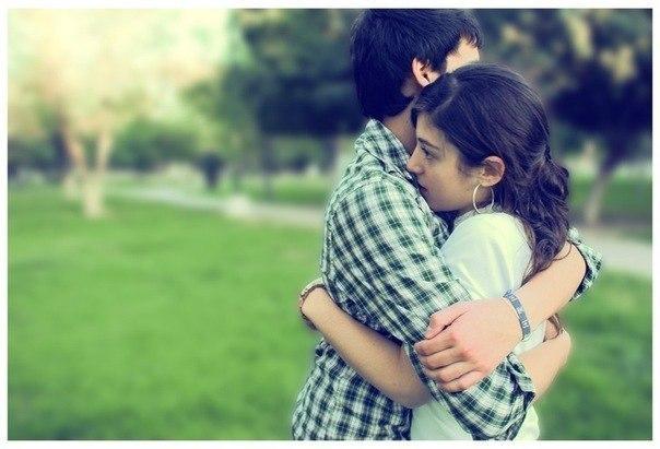 Когда он обнимает меня своими сильными руками