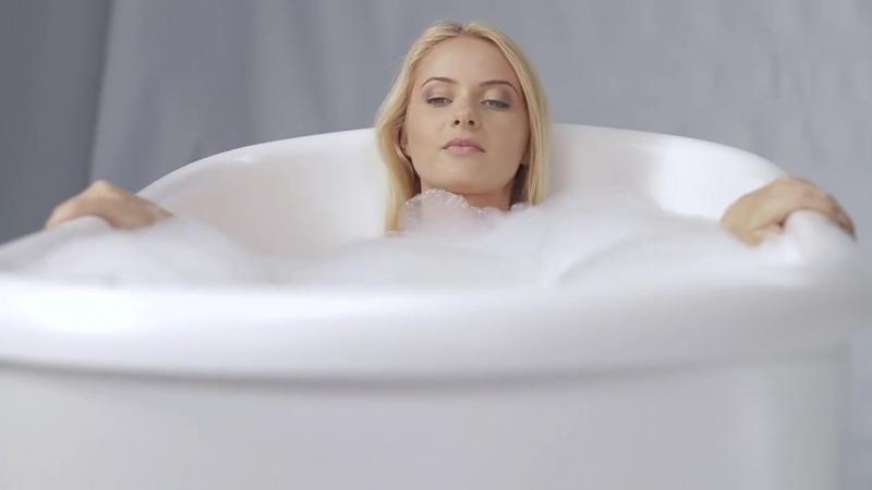 Fido™ Freestanding Bathtub by Aquatica - Infomercial
