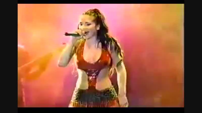Natalia Oreiro - Recital Puerto Rico 2001 - Me muero de amor (remix)