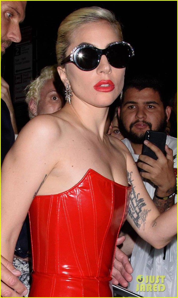 4 - Lady Gaga - Σελίδα 10 16-hOgKwqr8