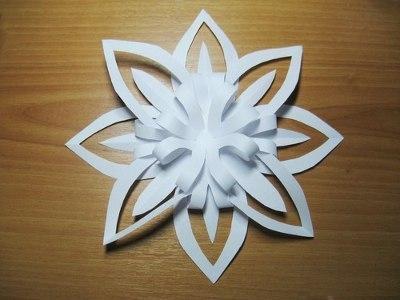 Снежинка из бумаги 3d